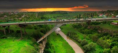 Міст Лань, що біжить